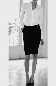 265 - Chemisier blanc, jupe noire
